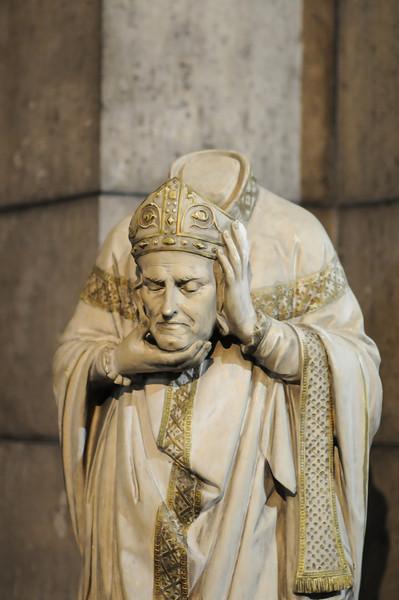 Headless Statue in Basilique du Sacré-Cœur